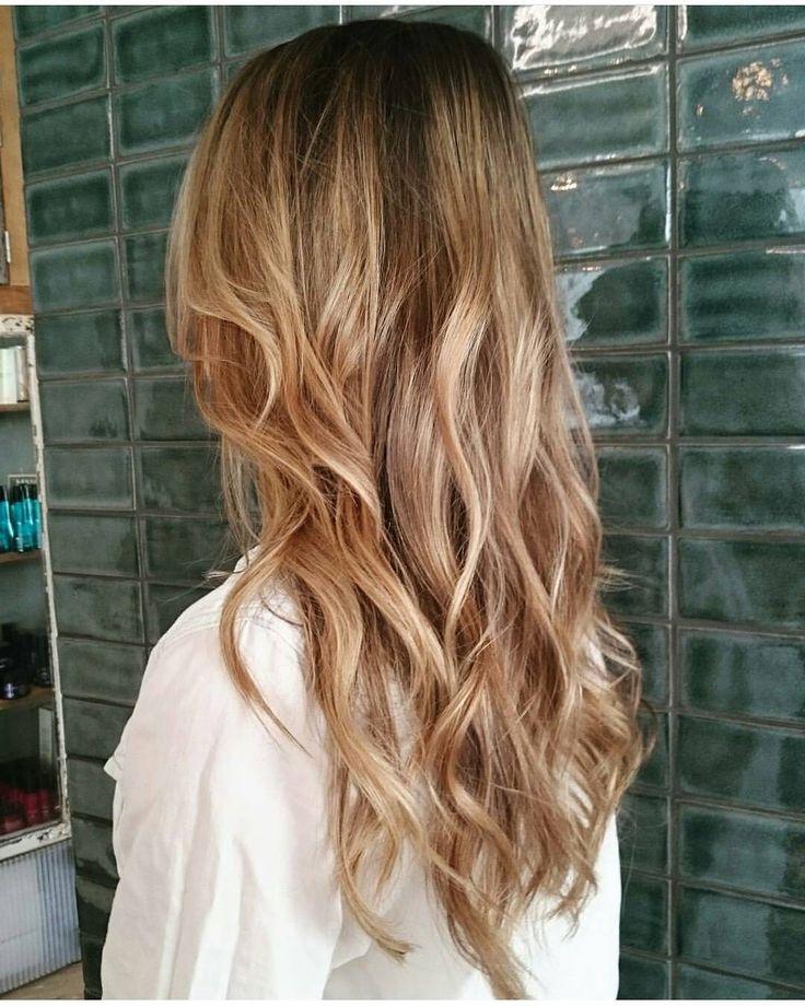 "66 likerklikk, 2 kommentarer – Gevir (@gevir) på Instagram: ""Golden 🌞🌞🌞 @hairby_sarastabel #balayage #hairpainting #smartbond #loreal #sunkissed #redkenshadeseq…"""