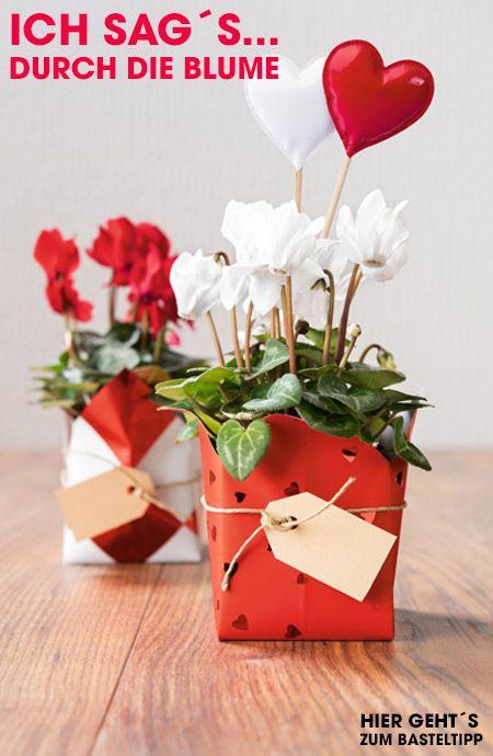 Ich sag´s durch die Blume. Wer sich am Valentinstag doch für den Geschenke-Klassiker entscheidet, kann durch eine ausgefallene Verpackung punkten. So wird jeder Blumentopf zum Hingucker! :)