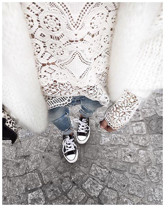Uniforme des vacances : gilet doudou, Jean boyfriend & Converse! • Knit…