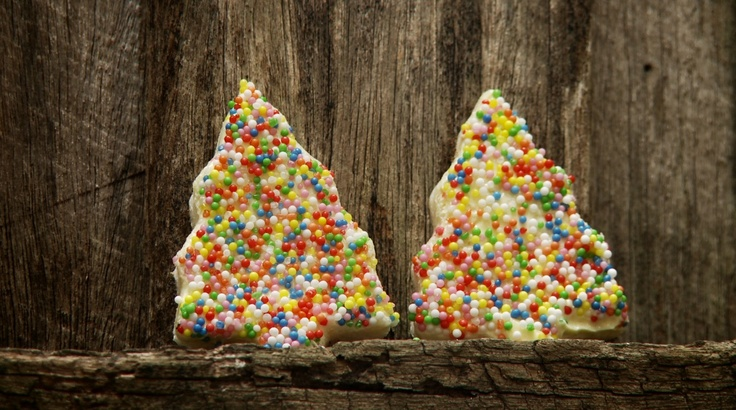 Christmas Fairy Bread  http://www.thefilmbakery.com/blog/12-tastes-of-christmas-down-under