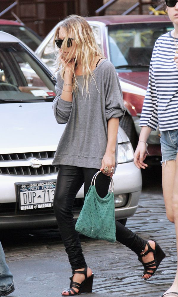 Olsens Anonymous Blog Mary Kate Olsen Laid Back Leather Grey Sweater Black Pants Gladiator Wedges Turquoise Handbag photo Olsens-Anonymous-Blog-Mary-Kate-Olsen-Laid-Back-Leather-Grey-Sweater-Black-Pants-Gladiator-Wedges.jpg