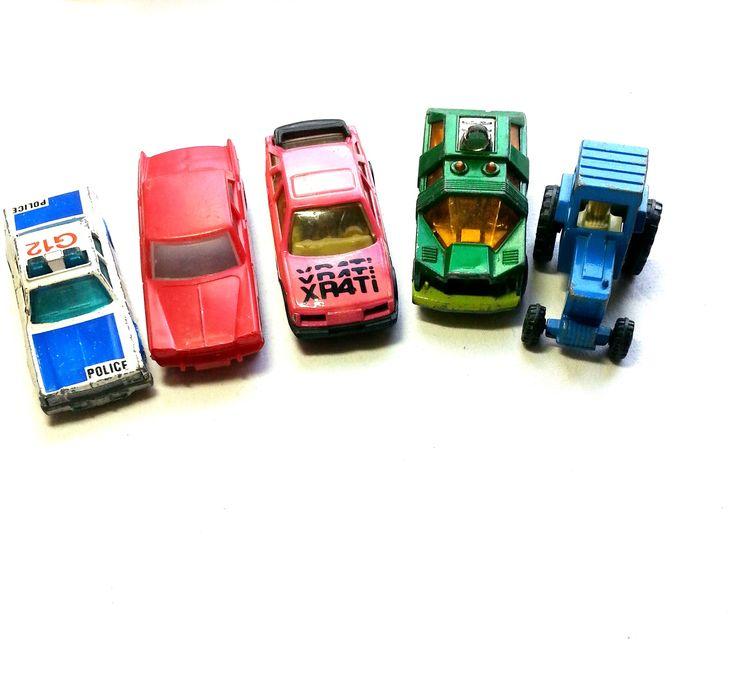 Auto-Set 5 verschiedene Autos aus den 70zigern - gebraucht Art.-Nr.: RSP1003 Da es sich nicht um neue Ware (Antiquitäten) handelt, gibt es das Produkt in der Regel nur als Einzelstück. Beachten Sie ggf. andere Hinweise auch mehrteilige Sets in der Beschreibung.