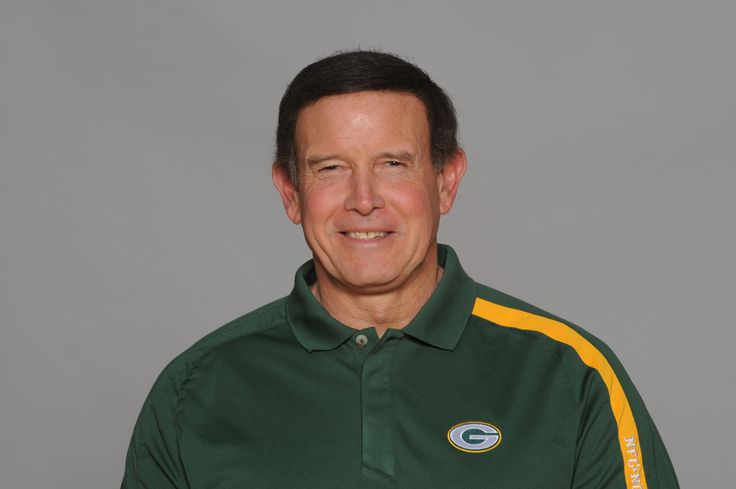 Dom Capers, strabismus.