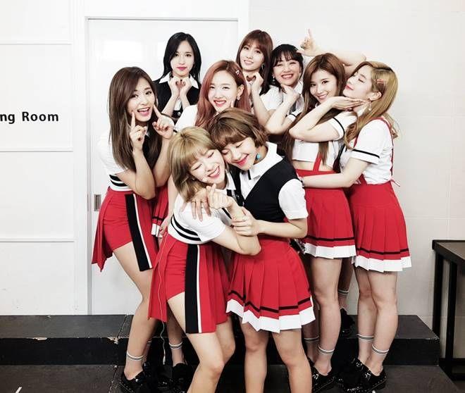 Twice Dislodges Bts On Idol Groups Brand Reputation Rankings For May Girls Generation Korean Girl Groups Kpop Girls