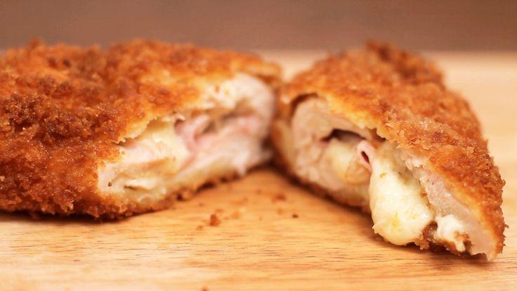 Filé de frango recheado de presunto e queijo, essa é a deliciosa e fácil receita de frango à cordon bleu.