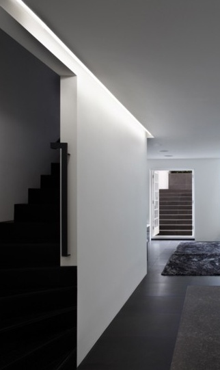 Private House in London by Founds Associates, beautiful indirect lighting _