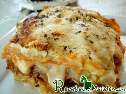 Lasagna de rhojas de epollo con verduras y soya