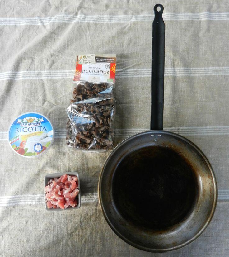 Recette de cuisine : Pâtes aux cèpes et lardons ricotta. Poêle en fer Scandi-vie.  http://www.scandi-vie.com/poele-ecologique-en-fer-28-cm-scandi-vie-creation-poele-a-frire-442.html