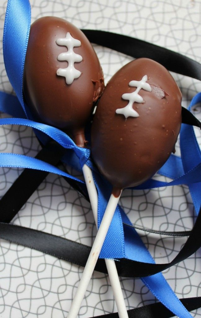 Football Cake Pops for the AFL grand final!