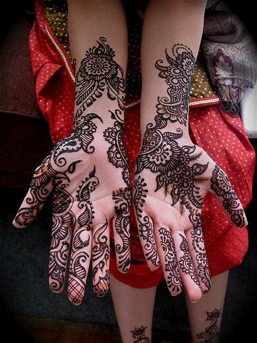 Bridal Hand Mehndi Design | follow us on http://www.pinterest.com/proimagegroup