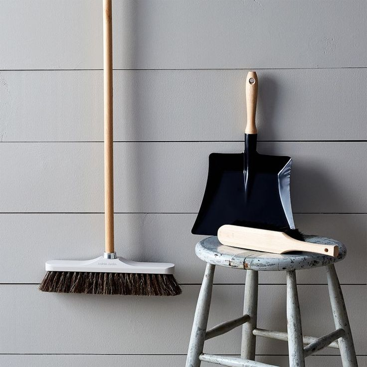 """Vintage-Inspired French Push Broom, 12.75"""""""