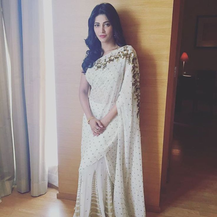Shruti in Saree