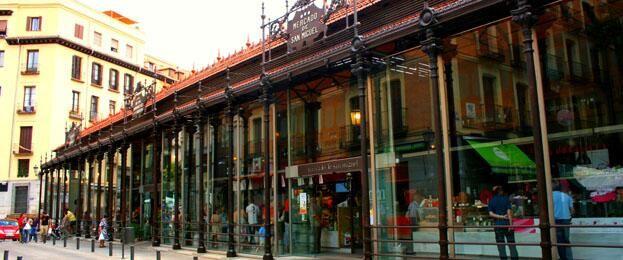 Mercados Gastronómicos Madrid : San Miguel, Moncloa, San Antón, San Ildefonso, Platea Madrid  http://www.turismomadrid.es/agenda/12617-los-mercados-ahora-son-gourmet… pic.twitter.com/LPDvOfWSwy