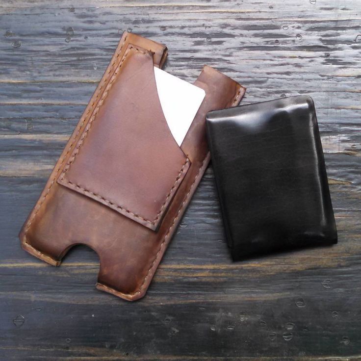 Last night's evening entertainment. Custom #iphonecase with special #cardholder. Customer wanted no thumb push for the cards. So, we made a open back box with diagonal opening (just big enough to slide cards in and out of). Then stitched onto our #molded #sleevecase in #horsehide #horween  Shown with our cropped #stitchless #slimwallet  #minimalistwallet #madetolast #mensaccessories #madeinminnesota #usa #minneapolis