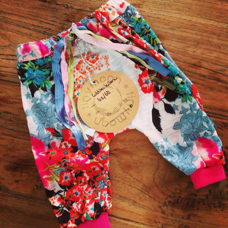 Harembroekje van Tinymoon - hip to be little Voor bestellingen en andere items zie de fb site van Tinymoon.