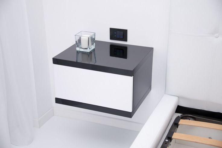 Mobila Dormitor Noptiere din HPL Negru Lucios cu Alb lucios