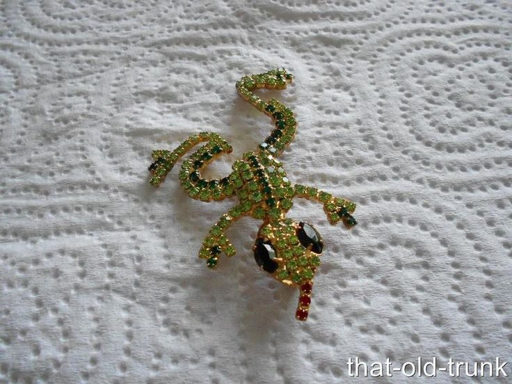 Vintage Red Tongue Frog Brooch Peridot Red & Green Rhinestones Gold Tone #Unbranded