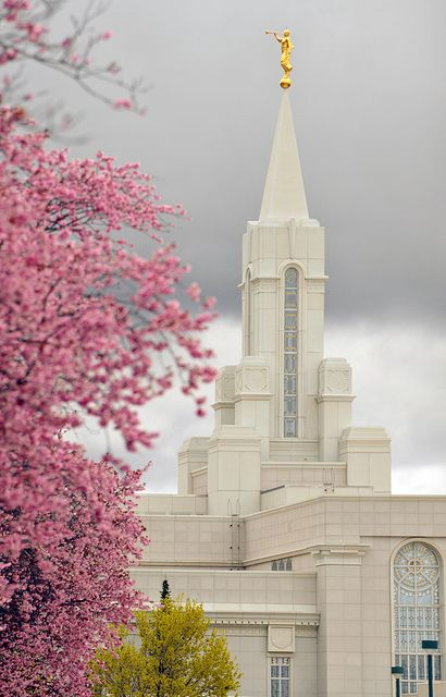 Bountiful Temple. This is the temple where I was sealed to my family for eternity. This will be the temple I will eventually get married in! :) #LDSTemples #MormonTemples #Gospel