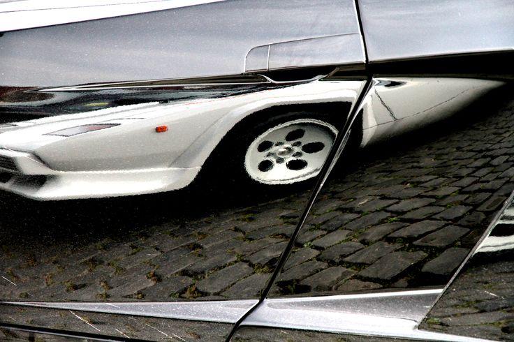 Reflection Lamborghini Countach