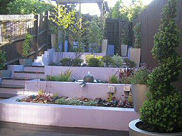 Small Contemporary Sloping Garden Design In Bracknell Berkshire Designed By Linsey Evans Garden Designwww Linseysgardens Com Garden