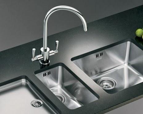 Aprende a dejar el fregadero limpio y reluciente empleando productos naturales. ¡Truco para una cocina perfecta!