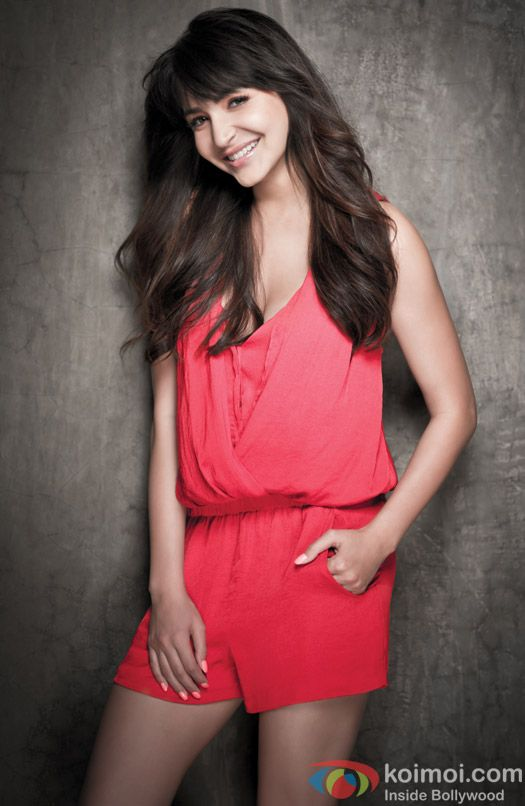Anushka Sharma looks gorgeous here!