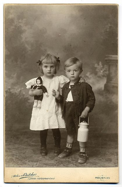 +~+~ Antique Photograph ~+~+    Seriously so adorable siblings!