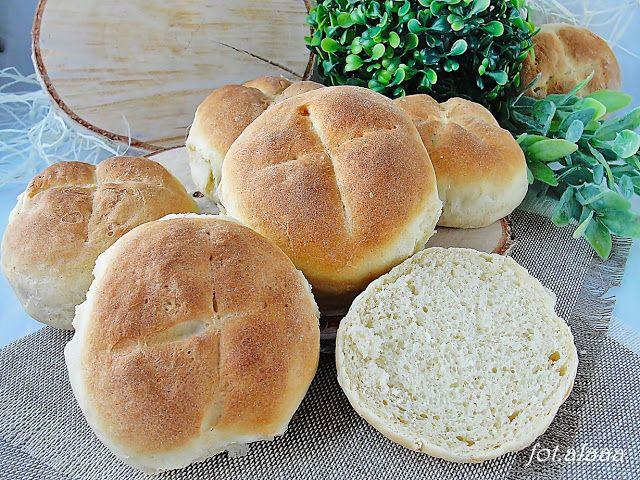 Ala piecze i gotuje: Bułki pszenne śniadaniowe