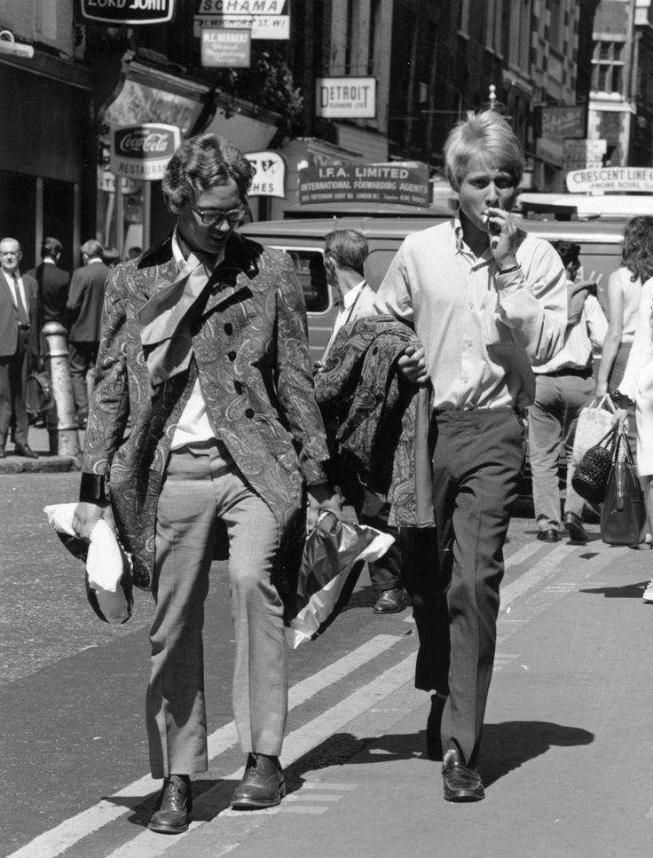 1 August 1967: Two young men walk down Carnaby Street. | 14 Marvellous Photos Of Carnaby Street In The '60s