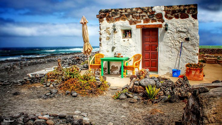 Canary Fisher house at the beach, by Donibane Canary islands