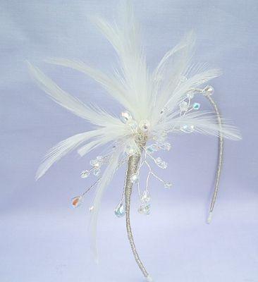 Diadema Niña con plumas y cristales