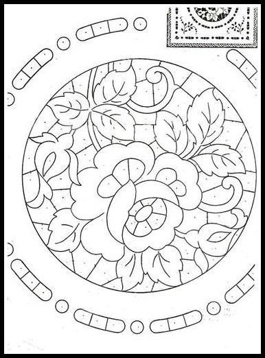 Risultati immagini per Disegno carta per centro, ricamo a intaglio - Manidifata.it