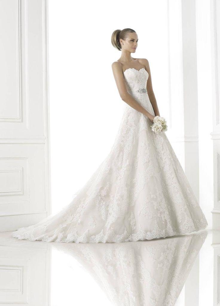 Basma - Pronovias 2015 kollekció - Esküvői ruha szalon - Menyasszonyi ruha kölcsönzés http://lamariee.hu/eskuvoi-ruha/pronovias-2015/basma