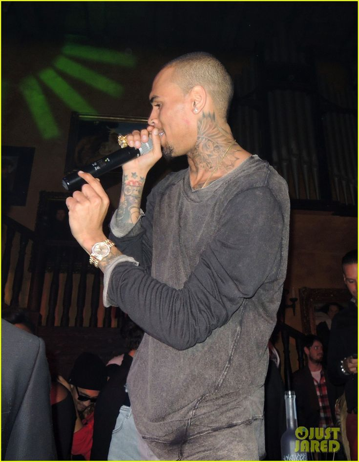 Rihanna & Chris Brown: Thanksgiving in Berlin! | chris brown rihanna thanksgiving berlin 02 - Photo Gallery | Just Jared