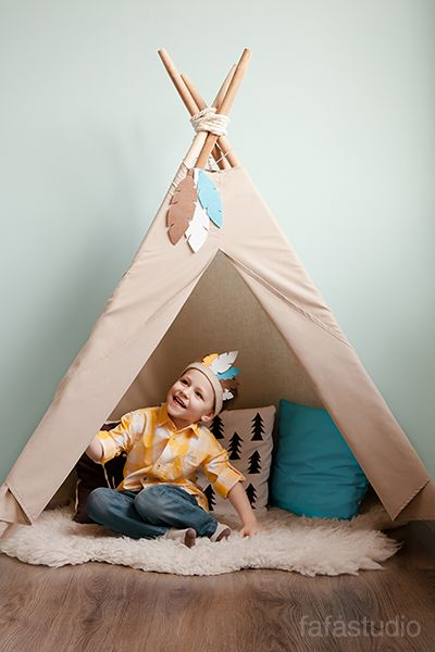 Children's photoshoot. Background with wigwam (teepee tent). Детская фотосессия от Fafastudio. Локация с вигвамом. #Fafastudio #Childrens_photoshoot #wigwam #baby_location #baby_photoshoot #teepee_tent