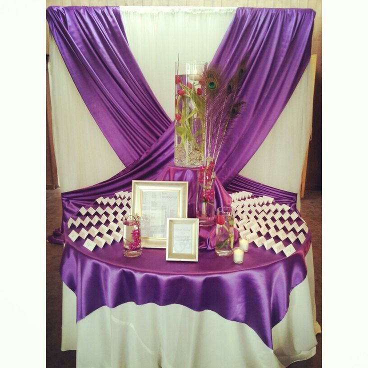 Greet your guest with a beautiful seating display.
