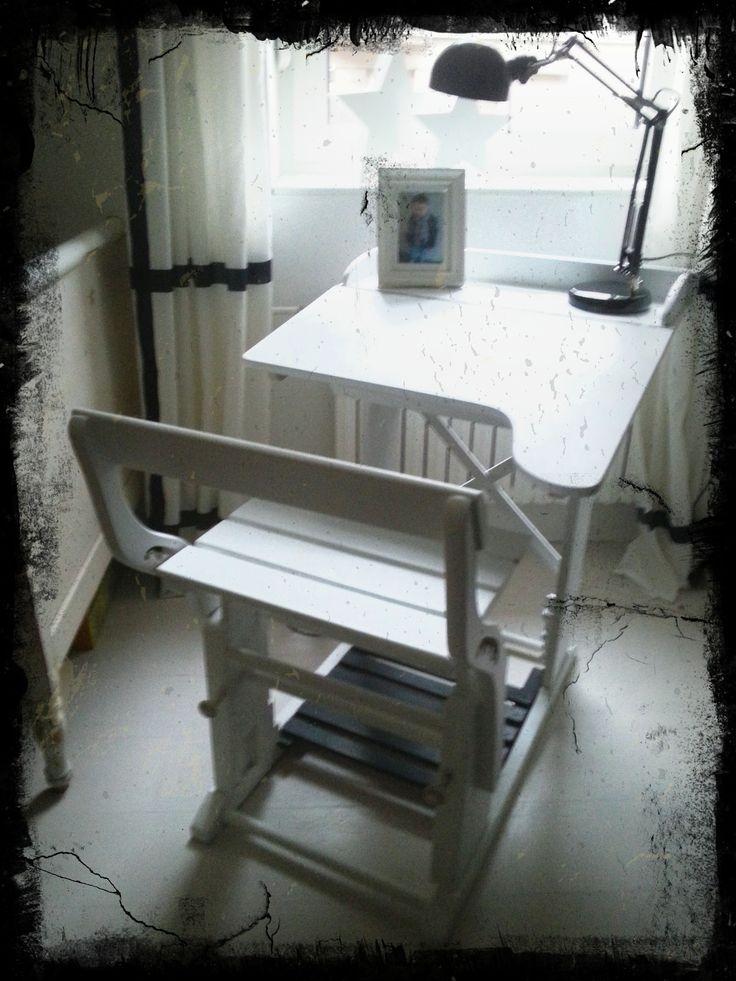 alter Shabby Schreibtisch von 1897. Restauriert und etwas aufgehübscht.