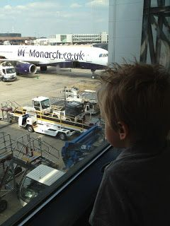 Momof7-Living it Large: Airport Intrigue