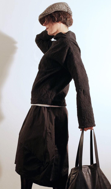 Pullover Nero - Maglione Nero - Maglia Nera Inverno - Pullover Fiori - Pullover Collo ad Anello - Maglione Donna - Pullover Manica Lunga di atelierPop su Etsy