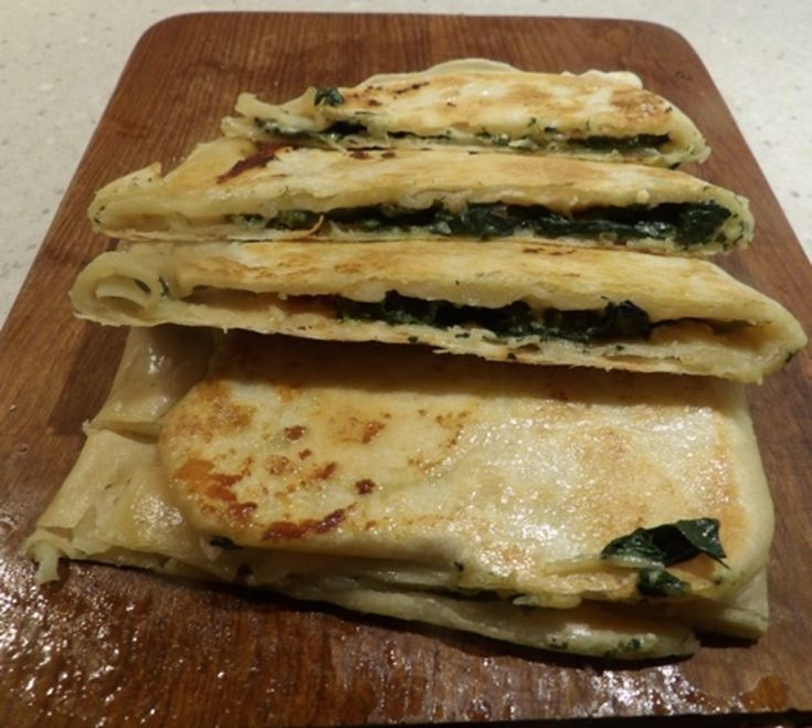 EASY SPINACH AND FETA GOZLEME http://recipeyum.com.au/easy-spinach-and-feta-gozleme/