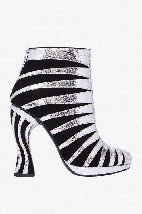 calvin klein shoes table dance en la piedad