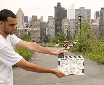 Get The Best School For Training In Filmmaking Courses