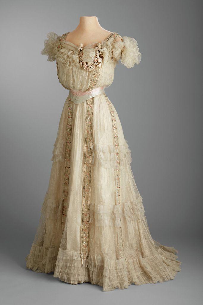 Sweet Sixteen Evening Dress, Washington D.C., 1903, White spotted tulle, ivory silk taffeta, cream silk velvet, coral beads, clear rhinestones.