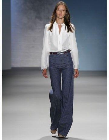 "Shirt inside the pants, very wide leg pants, this was a must-70s - Camicia dentro i pantaloni, pantaloni con gamba molto larga, questo era un ""must"" degli anni 70"