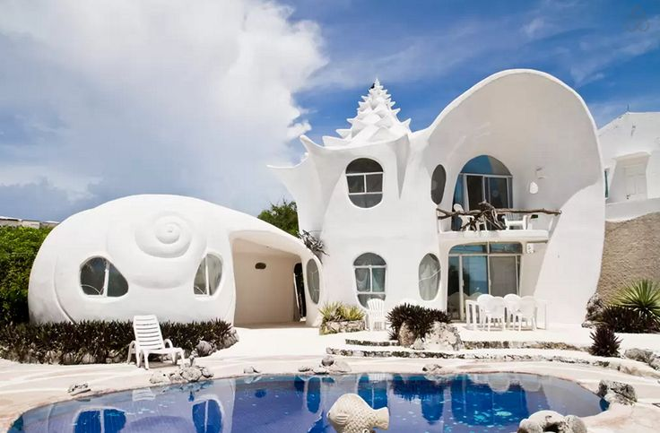 How cool is this seashell house in Mexico? Book your next Airbnb to here STAT.