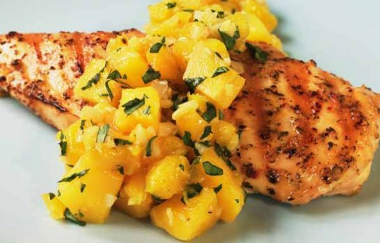 Grilled Chicken with Mango -- a perfect Mrs. Dash recipe - mrsdash.com