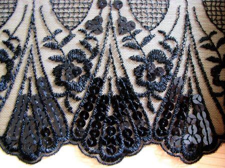 1m bestickte edel spitze in schwarz mit pailletten fb4000 usp 534 stoffe pinterest. Black Bedroom Furniture Sets. Home Design Ideas