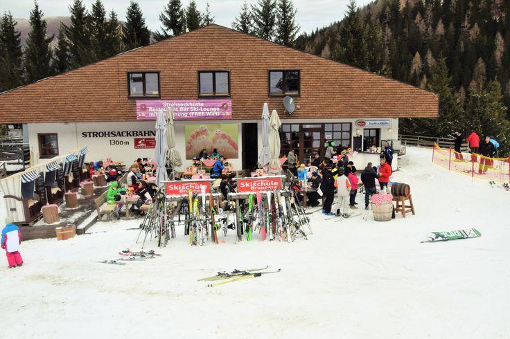 Strohsackhütte in Bad Kleinkirchheim, Kärnten, Österreich - mit vielen Köstlichkeiten vom Grill und Spezialitäten aus der Region   www.almrausch.co.at