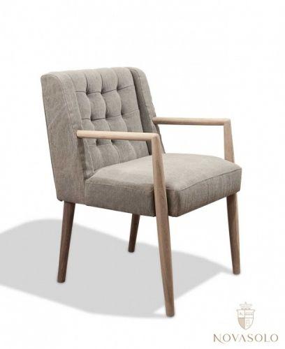 """Kul og retromoderne New Amsterdam spisestol! Dette er den vågale interiørarkitektens valg! Stolen har et tøft """"stonewashed"""" stoff som vil si at det er litt struktur og liv i stoffet!   Mål: Bredde 56 cm Dybde 62 cm Høyde 86 cm Sittehøyde ca 46-47 cm   Materiale: Tekstil - 63% jute, 37% bomull"""