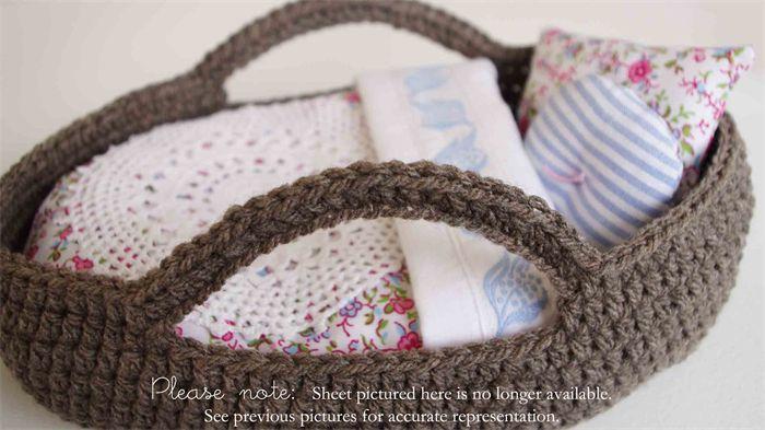 Small Dolls Moses Basket and bedding set / vintage fabrics / crochet | Oh Susanna Handmade | madeit.com.au